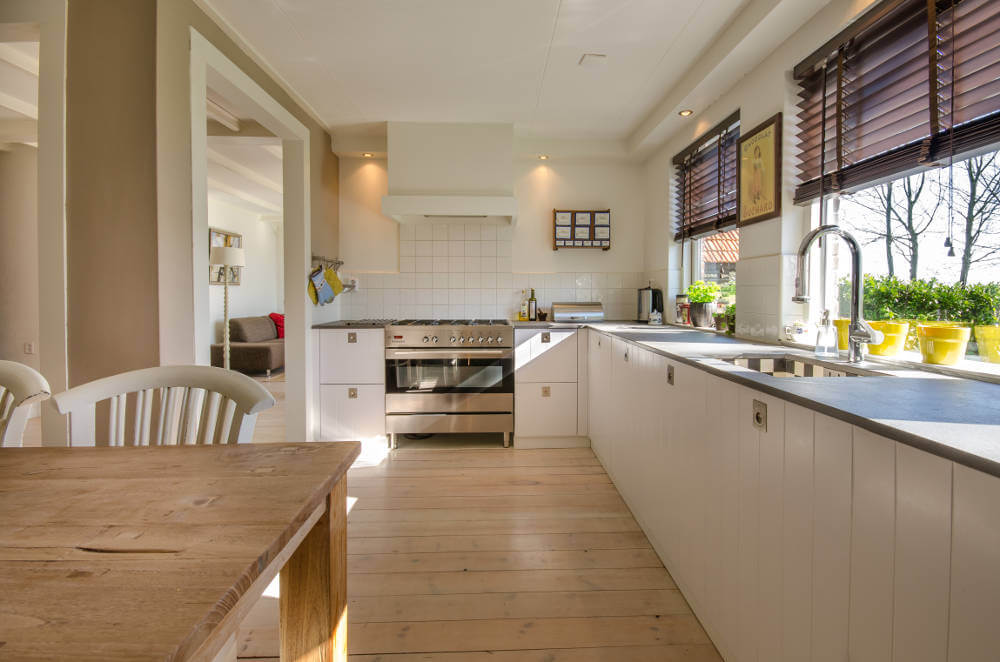 Pros and cons of different kitchen layouts