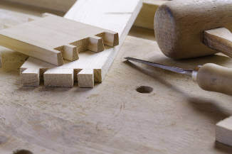 carpenter-tools-creating-dove-tail-joints-in-wood